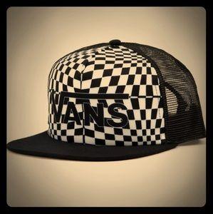 NWT Women's SoCal Vans Spring Break Trucker Hat